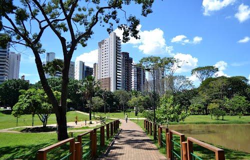 Parque Lago das Rosas